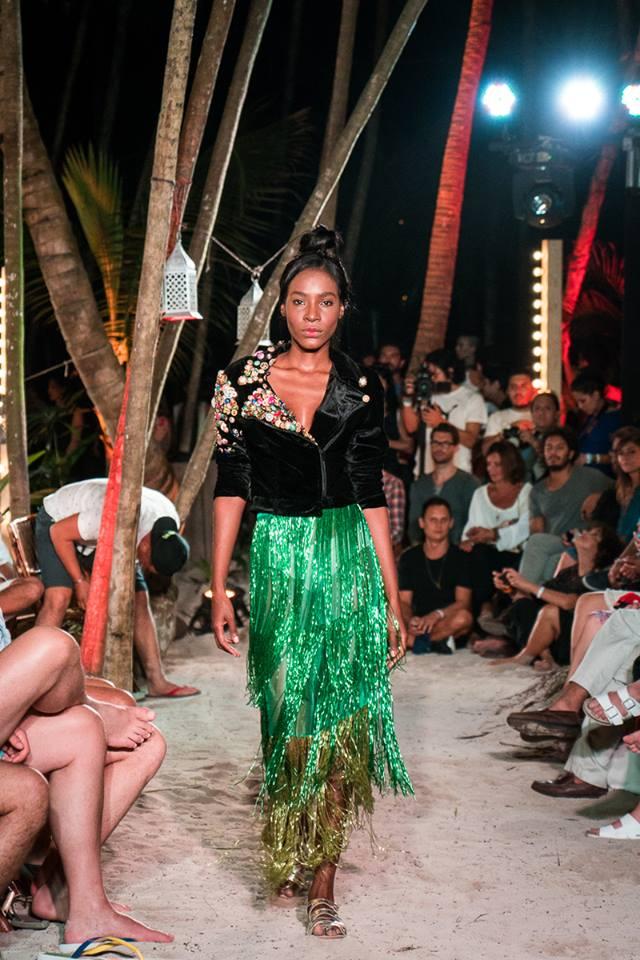 """Colección """"Yakuza"""" de Iván Ávalos en la Heineken Winter Beach en Nomade de Tulum. Fotos de Carolina de Luna Franco"""